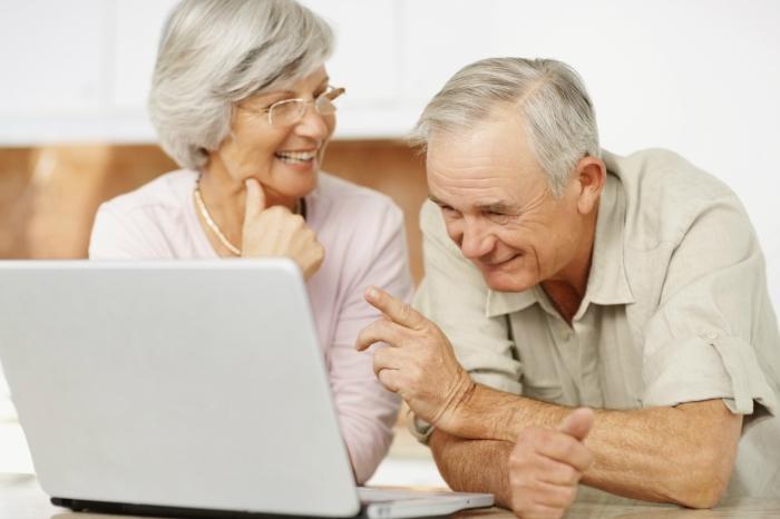 elderly_computer_1200